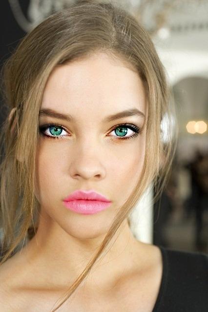 Красивый макияж при русых волосах