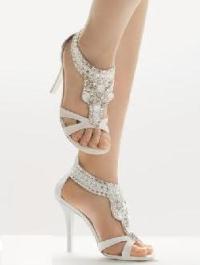 Свадебная обувь 2012: красота в миниатюре