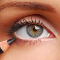 Карандаш для глаз: доступное разноцветье