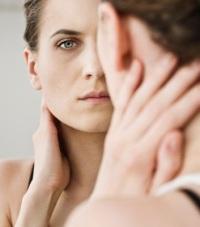 Как убрать носогубные складки: достоинства и недостатки разных методов