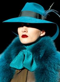 Аксессуары зимы 2012: триумф меха и ретро