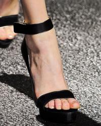 Туфли 2013 - триумфальное возвращение каблука (15 фото)