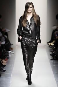 Как носить спортивные брюки и выглядеть модно: 20 крутых идей