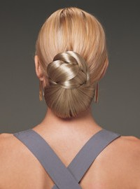 Шиньоны из искусственных волос – в чем секрет популярности?