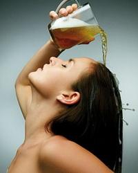 Мытьё волос пивом