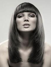 Прически с прямой челкой 2011 для длинных волос.