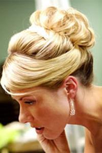 Вечерние свадебные прически: выбрать сложно, но можно