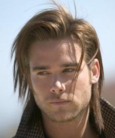 Причёска на длинные волосы для мужчин