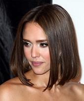 Прически на выпрямленные волосы средней длины фото