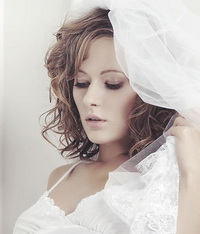 Свадебная прическа на каре – очарование коротких волос