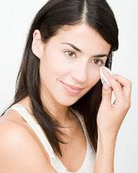 cнятие макияжа с глаз