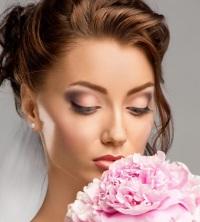 Розовый свадебный макияж