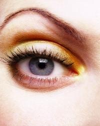 Советы по макияжу для модных очкариков
