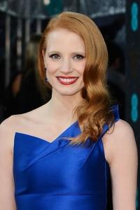 макияж под синее платье Джессика Честейн