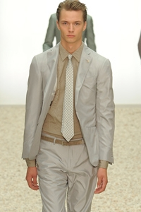 Мужские галстуки 2012: дань традициям
