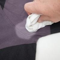 Как отстирать пятна от дезодоранта и спасти любимую блузку