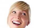 Как отбелить зубы в домашних условиях: советы и продукты