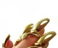 Самый необычный маникюр: бриллианты, стразы и ювелирное искусство