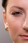 Морщины под глазами: причины и последствия