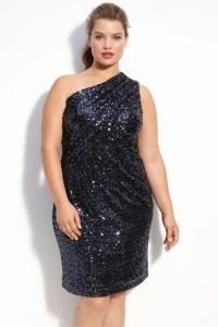 новогоднее платье с асимметричным лифом для полных женщин