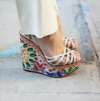брюки и туфли на платформе
